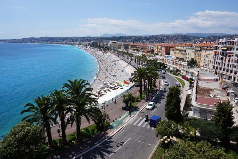 Vue du bord de mer à Nice