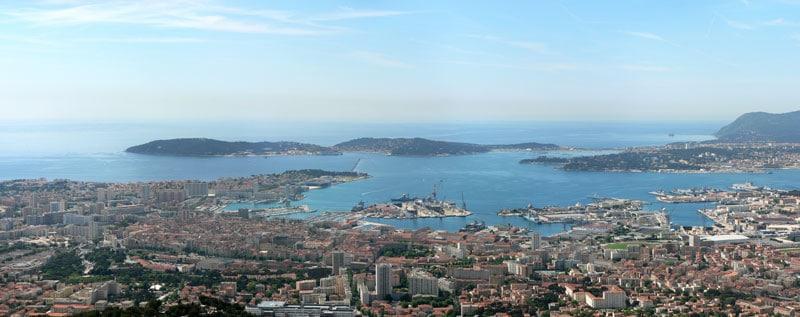 Vue panoramique sur le port de Toulon
